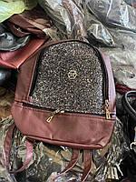 Женский рюкзак в городском стиле бордового цвета