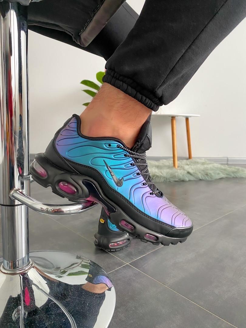 Стильные кроссовки Nike TN