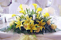 Оформление свадьбы цветами, украшение зала тканями, шарами