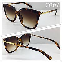 Солнцезащитные женские очки оправа лео