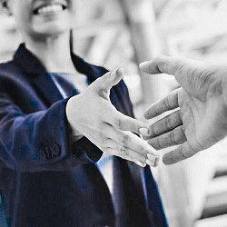 Заботимся о клиентах и партнерах