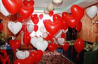 Подарок  на День Святого Валентина - комната в  гелиевых сердцах.