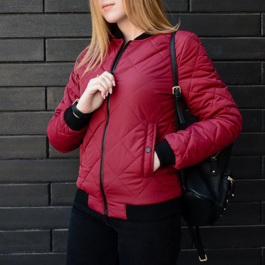 Весенняя женская куртка Стеганка бордо