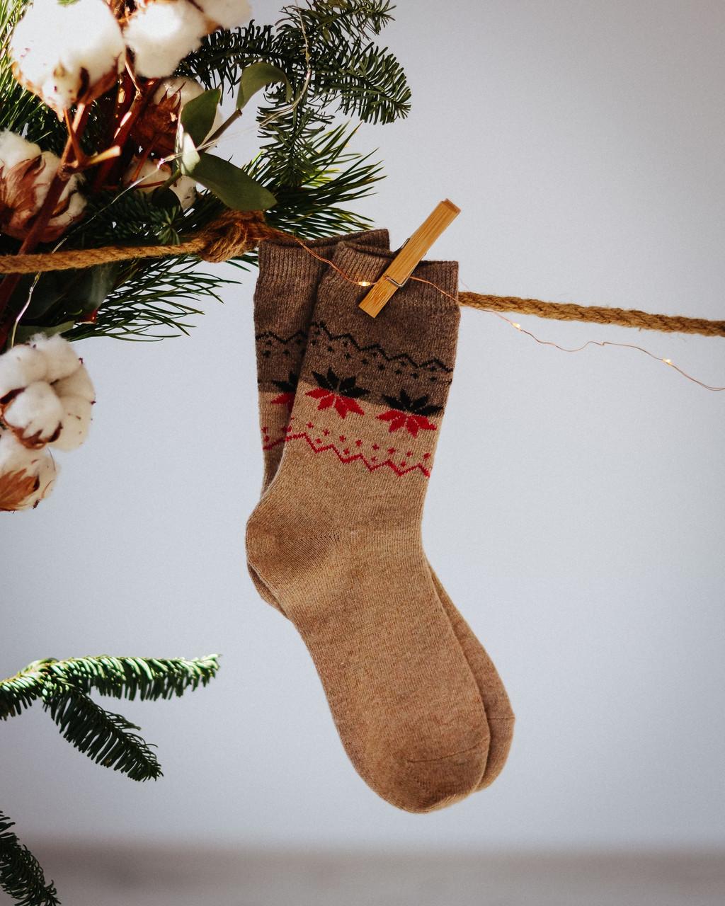 Носки Снежинки коричневые