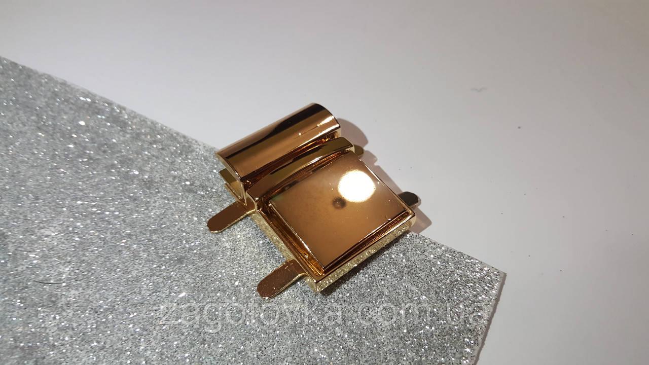 Замок клавішний золото 2,9*3,9 см