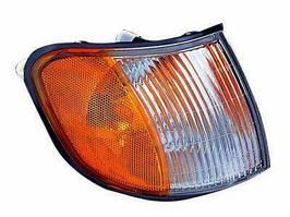 Указатель поворота правый KIA Sportage -03 бело-желтый (DEPO). 323-1501R-NS