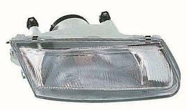 Фара правая Mitsubishi Carisma 95-99 механический/электрокорректор (DEPO). 214-1153R-LD-EM