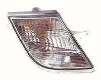 Указатель поворота правый Nissan Micra K12 -10 узкий внутри решетки белый (DEPO). 215-1671R-UE