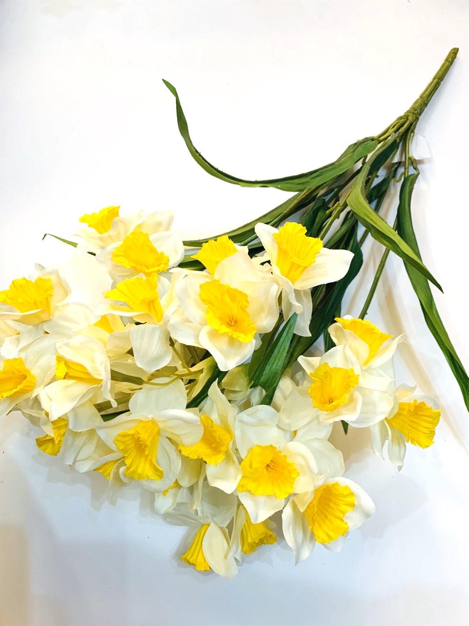 Нарциссы белые ( 60 см)