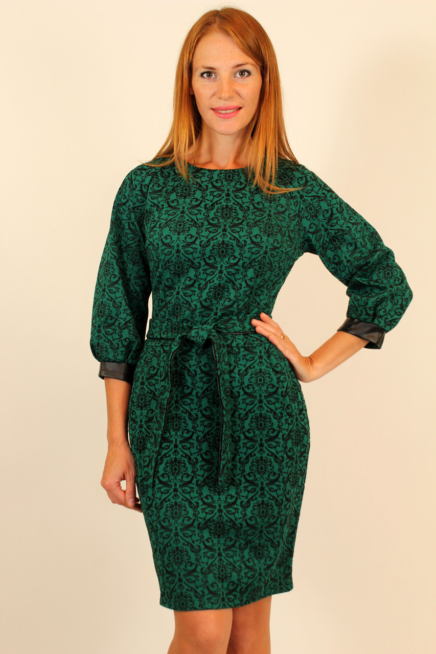 Трикотажное теплое платье с отрезной талией 42 р
