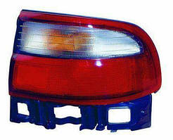 Фонарь правый Toyota Carina E 92-97 SDN внешний бело-красный (DEPO). 212-1972R-U