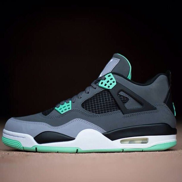 Кроссовки мужские Nike Air Jordan 4 / AJM-062