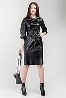 Элегантное полуприлегающее платье длиной чуть ниже колена из пластичной экокожи.Разные цвета, фото 1