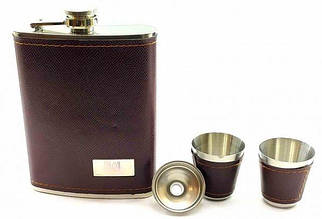 Фляга с рюмками и лейкой в подарочной упаковке, коричневый