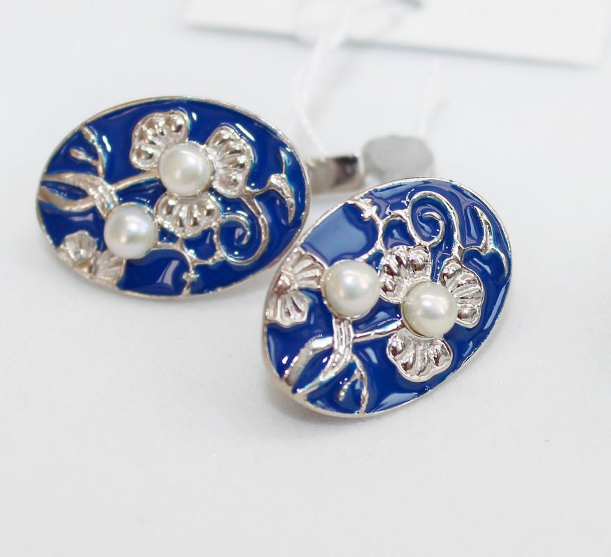 Серебряные серьги с синей эмалью и жемчугом