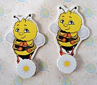 Магнитный стенд для крепления рисунка Пчела Вилли