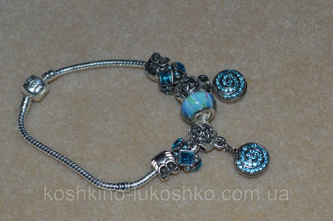 голубой браслет в стиле Пандора.