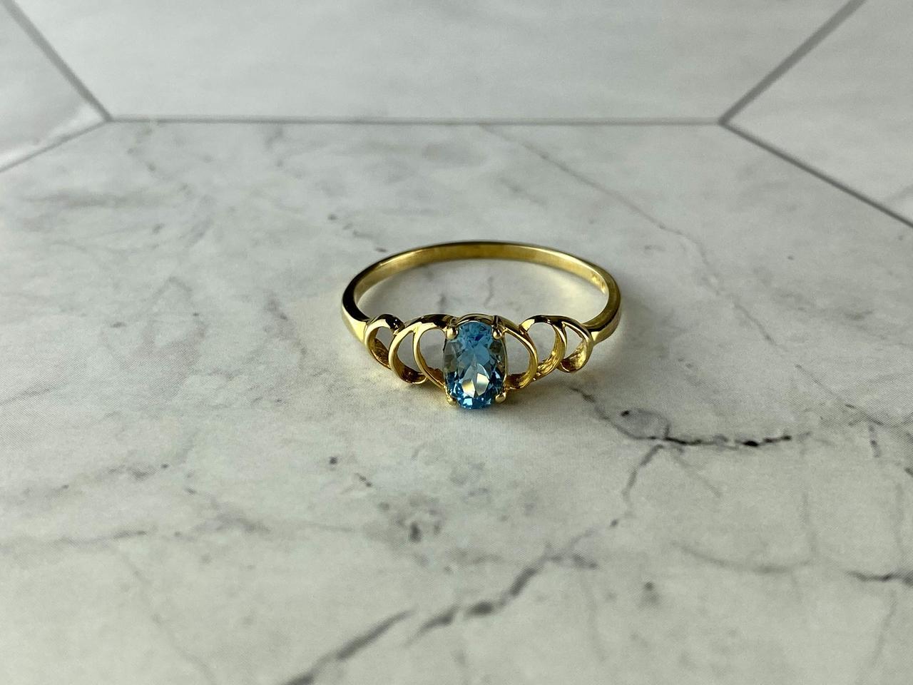 Золотое кольцо 10К (417 проба) с небесно-голубой Шпинелью