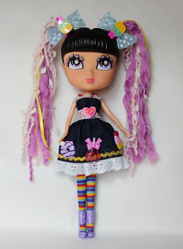 кукла с аксессуарами чёрная