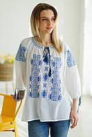 Легка жіноча літня біла етнічна блуза з синьою вишивкою №975-1