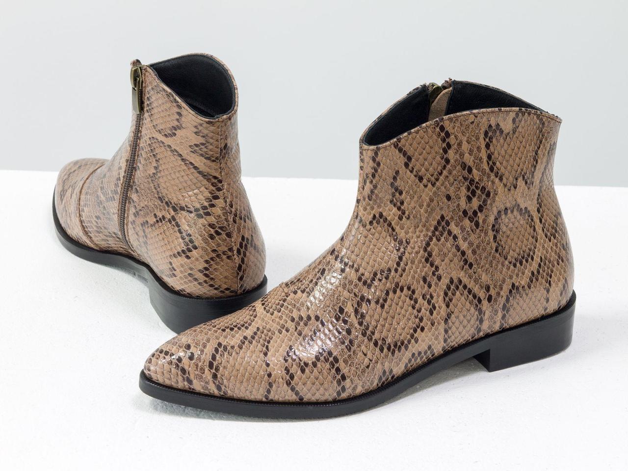 """Стильные ботинки с удлиненным носиком из эксклюзивной итальянской бежевой кожи """"рептилия """""""