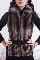 Женская меховая жилетка с воротничком