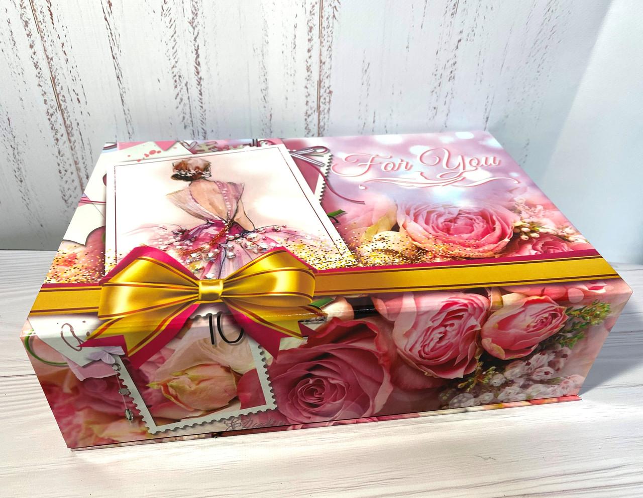 Коробка шкатулка праздничная