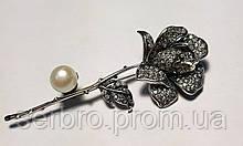 Серебряная булавка с жемчугом и белым фианитами Роза
