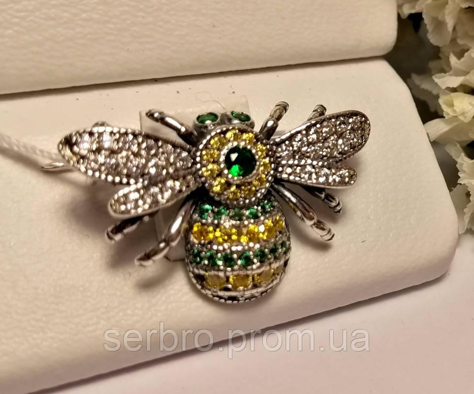 Серебряная брошь с желто-зеленым цирконом Шмель