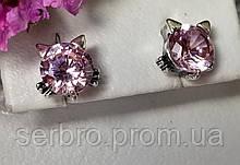 Серебряные детские гвоздики с розовым цирконом Мяу