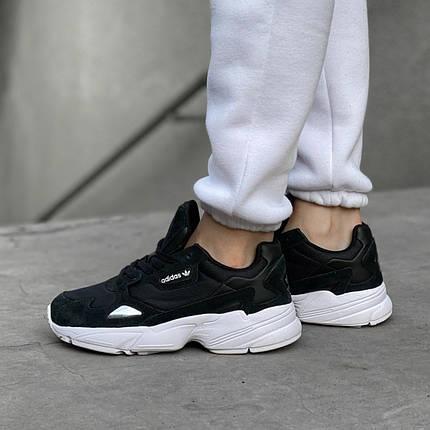 Женские кроссовки в стиле Adidas Falcon Black/White, фото 2