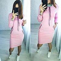 Трикотажное платье худи с карманами в спортивном стиле