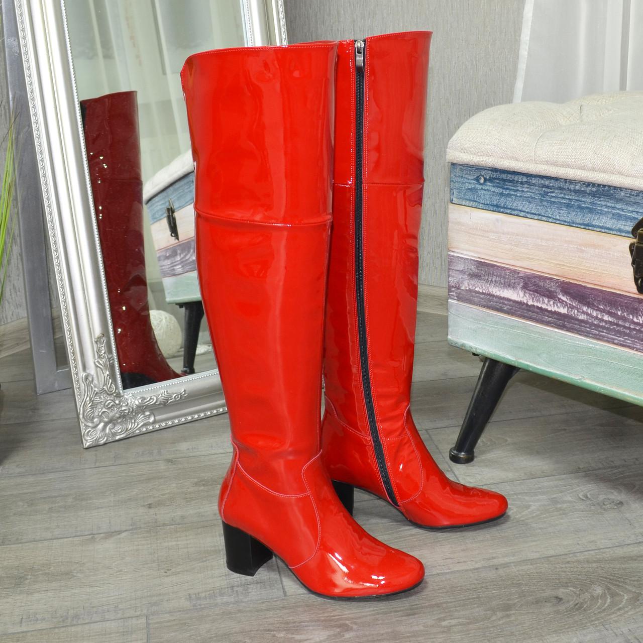 Ботфорты   лаковые на устойчивом каблуке, цвет красный