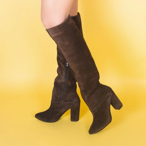 Женские коричневые замшевые высокие сапоги на каблуке. Пошив на любую голень. Цвет кожи/замши на выбор.