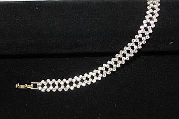Великолепный серебристый браслет с камнями горный хрусталь