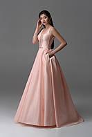 Платье вечерние длинное с открытой спиной.