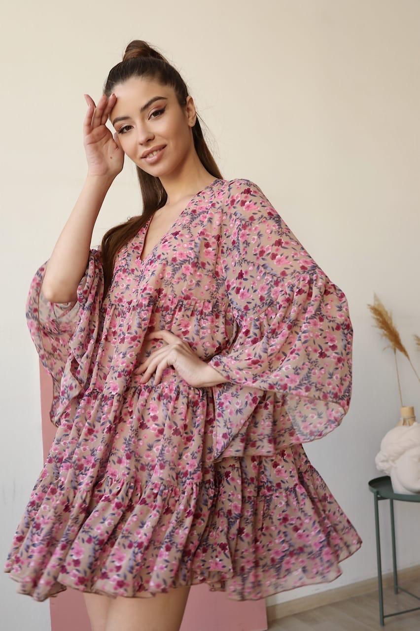 Свободное платье трапеция в цветочный принт с оборками и широким рукавом 1403906