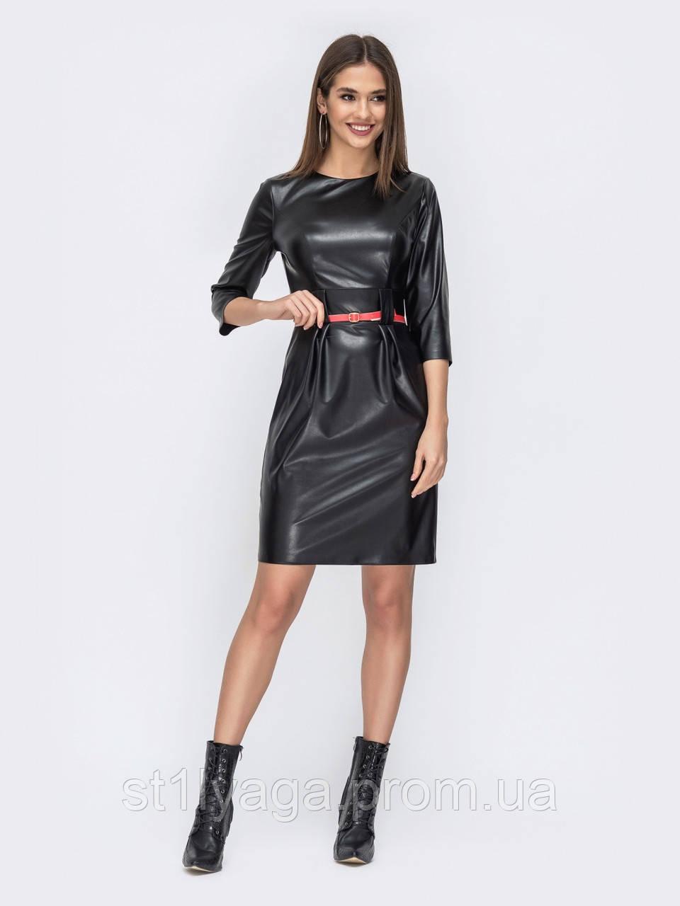 Стильное платье из искусственной кожи с разрезом сзади цвет черный
