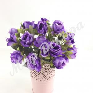 Букет мелких роз. Ярко сиреневый