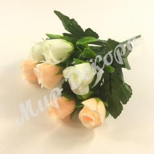 Букет роз в бутонах, белый и шампань, 30 см