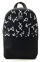 Черный городской рюкзак с белым принтом