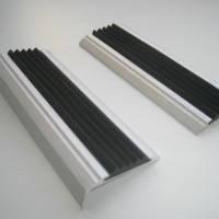 Противоскользящие накладки на ступени (одинарные 48 мм)