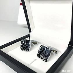 """Запонки """"Андорі"""" Premium, сріблясті в коробочці з білим оксамитом."""