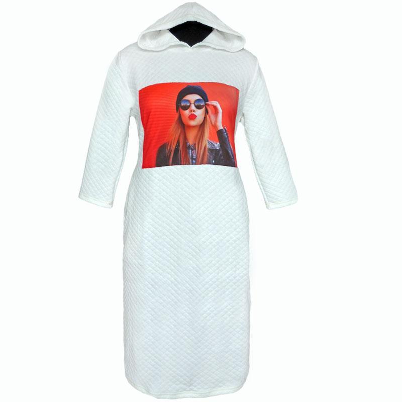Платье зимнее теплое с капюшоном и изображением