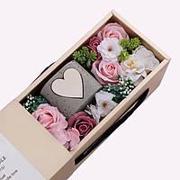 Мыло цветок розы с ароматическими свечами. Подарочная коробка подходить на День Рождения и другие Празники