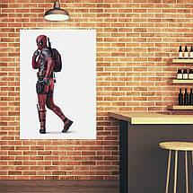"Постер ""Дэдпул в профиль с розовым рюкзаком"", Deadpool. Размер 60x42см (A2). Глянцевая бумага, фото 3"