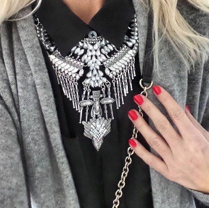 """Массивное колье """"Полнолуние"""" (цвет: серебристый) подвеска, ожерелье"""