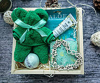 Подарок женщине, маме, девушке в деревянном боксе.