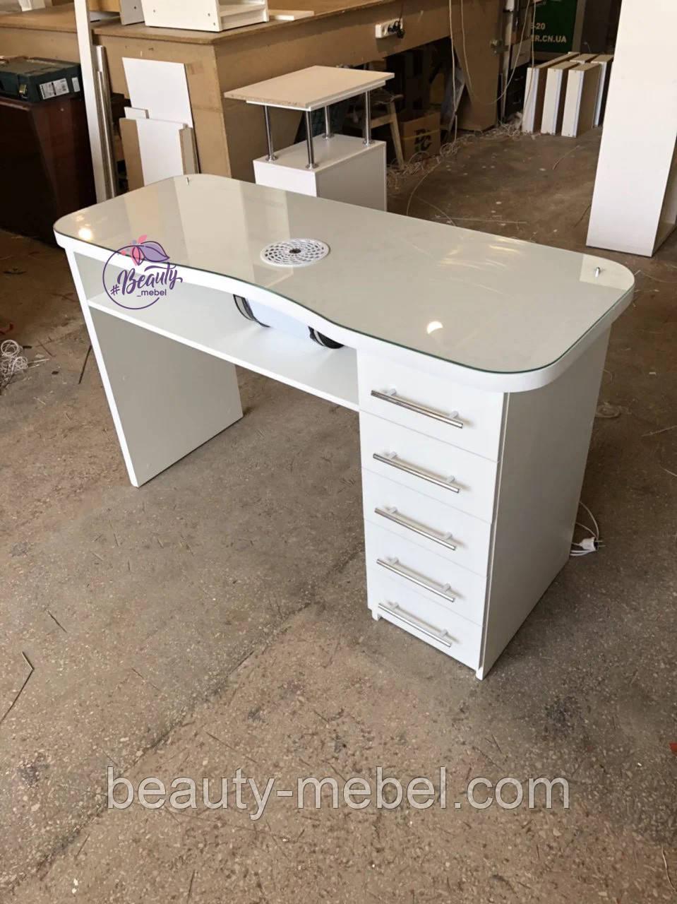 Маникюрный стол с стеклянной столешницей и мощной вытяжкой, белый.