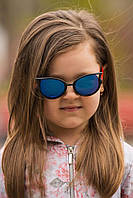 Стильные детские солнцезащитные очки Кошечки с  поликарбанатной линзой черные с красными дужками